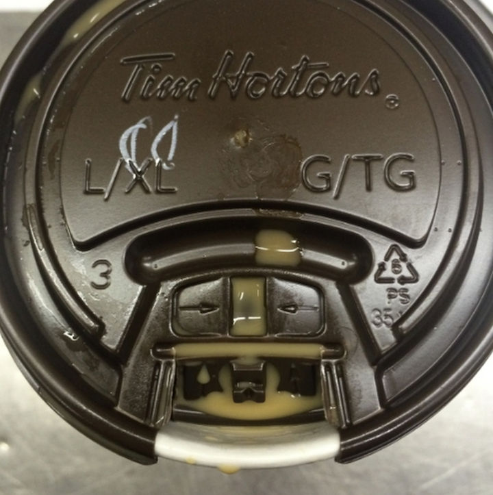 21 Everyday Life Hacks - Press down on the coffee lid tab to prevent spilling hot coffee.