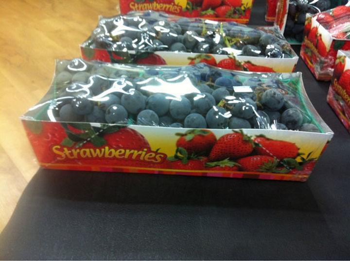25 People Who Simply Had One Job - Mmm, strawberries.
