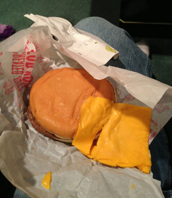 25 People Who Simply Had One Job - You want a side order of cheese with your burger?