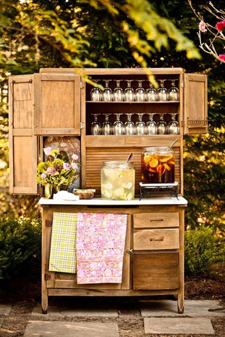 18 DIY Bars and Bar Carts - Upcycle a desk into a bar.