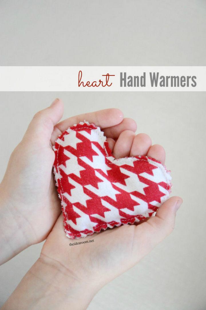 27 DIY Valentine's Day Crafts - Sew heart hand warmers.