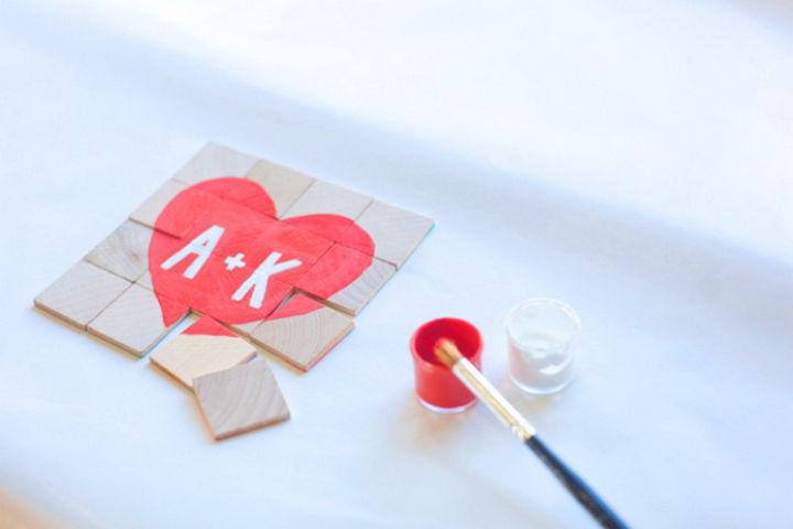 27 DIY Valentine's Day Crafts - Create Valentine's Day puzzles.