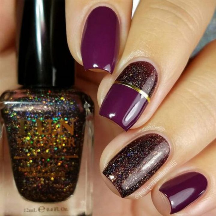 Cute winter nails that shimmer and shine.