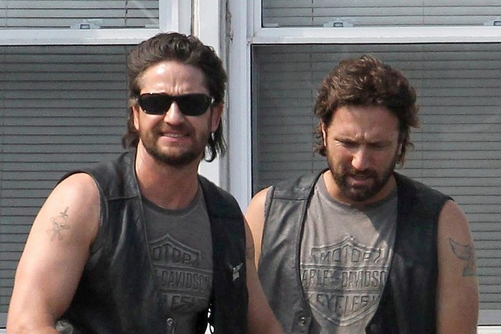 19 Famous Actors and Their Stunt Doubles - Gerard Butler.