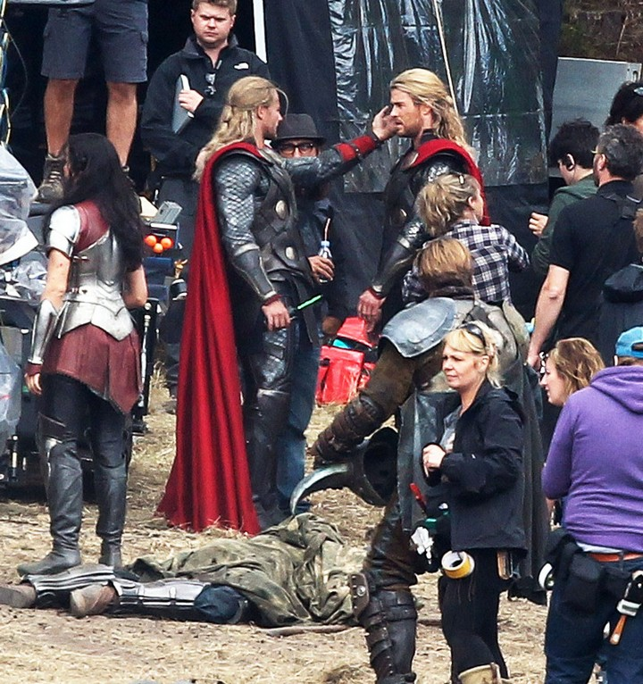 19 Famous Actors and Their Stunt Doubles - Chris Hemsworth.