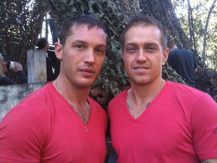 19 Famous Actors and Their Stunt Doubles - Tom Hardy.
