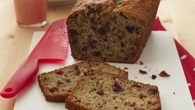 15 Easy Banana Bread Recipes - CranberryBanana Bread.