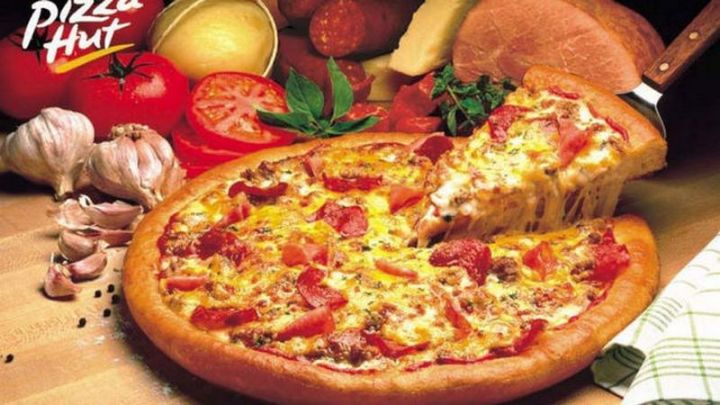 12 Fast Food Items You Should Never Order - Pizza Hut Pizza