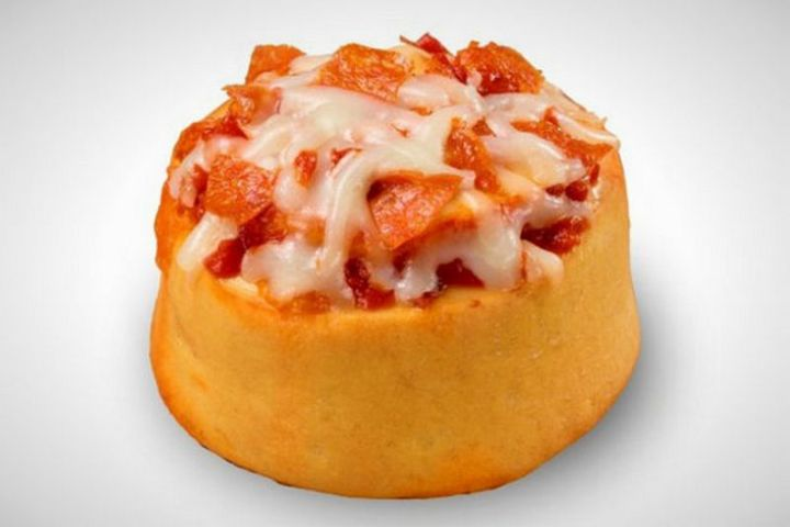 19 Ridiculous But Real Fast Food Items - Cinnabon Pizzabon.