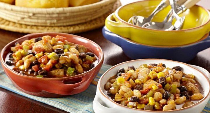 23 Best Chili Recipes - Black Bean and Corn Chicken Chili.