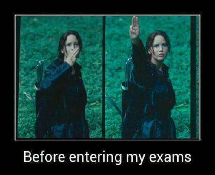 """81 Funny Life Memes - """"Before entering my exams."""""""