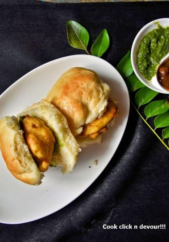 35 Indian Appetizer Recipes - Vada Pav (Vada Pao).