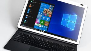Microsoft displays advertising in several of its applications preinstalled in Windows 10 without the user being able to remove it.