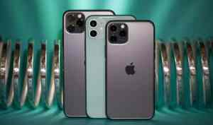 Amazon India is hosting its 'Apple Day' sale in which the latest gen iPhone 11 series is up for grabs at a discounted price tag. The iPhone 11 devices are available on the e-commerce