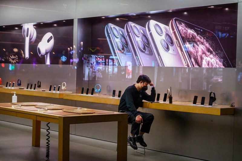 iPhone sales also declined by 21 percent over the last quarter, as consumers began anticipating the next generation of releases. In response to these results, Apple's CFO Luca Maestri says he expects the iPhone 12 Pro Max to sell