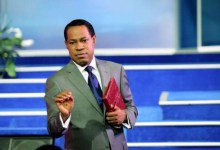 Photo of How dare you, your time is short – Pastor Chris Oyakhilome slams FG for limiting the duration of services due to Coronavirus (video)
