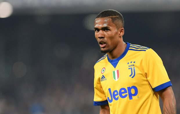 Manchester United Opens Talks To Sign Juventus Winger.  The news comes from transfer expert Gianluca Di Marzio, as cited by the Daily Express.