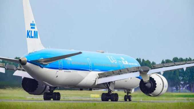Fight breaks out on flight to Ibiza between drunk, maskless passengers