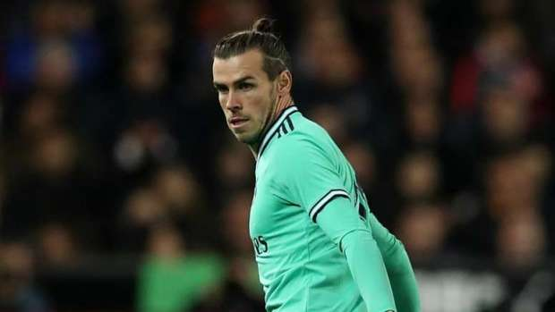 José Mourinho Interested in Signing Bale.  The exit of Bale could be in what used to be his home. 'El Español' inform that José Mourinho is willing to welcome him. It would be a key move for Real Madrid, who seem not to count on him and it would suit them well to sell him.