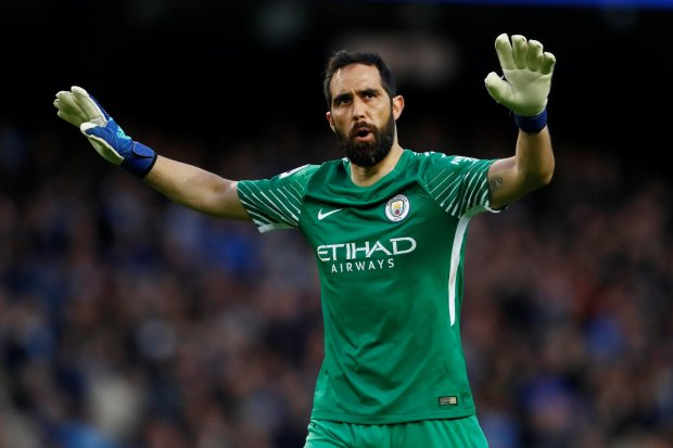 Claudio Bravo Could Retire In The MLS. Manuel Pellegrini relied on the experience of Claudio Bravo as goalkeeper for a Betis