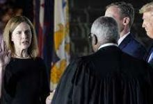 Photo of Barrett takes US Supreme Court oath, deepening conservative grip.