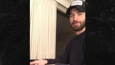 Chris Evans Cements Heartthrob Status by Flaunting Piano Skills