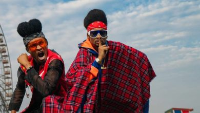 """""""Time To Start Questioning Our Parents"""" – Denrele Writes As He Meets His Doppelganger (PHOTOS)"""