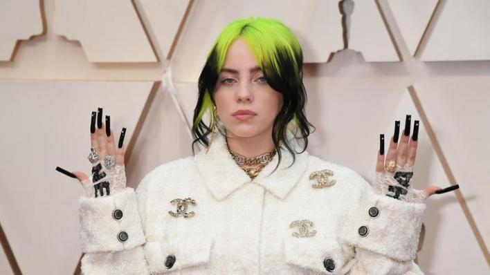 """Billie Eilish Fires Back At Fat-Shamers: """"This Is How I Look"""""""