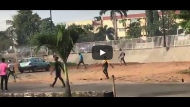 Hoodlums attack #EndSARS protesters in Alausa | Winnaijatv