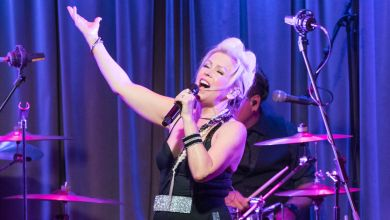 Berlin's Terri Nunn issues apology after playing at Mar-a-Lago NYE party
