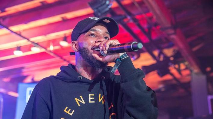 Tory Lanez Hosts Raging Super Bowl Party, Hundreds Seen Maskless