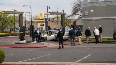 7-year-old girl killed, her father injured, in McDonald's drive-thru shooting