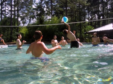 Pool-109-Reid-spikes-in-water-volleyball