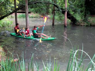 Canoe~054-Samuel_Amelia._and_Josh_canoe