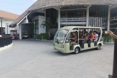Mobil Penangkut Tamu