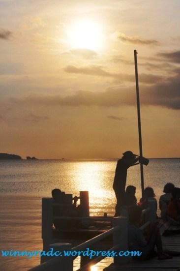 Menikmati Sunset di Cidaon