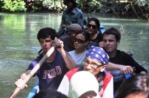 Bersampan di sungai ciganter