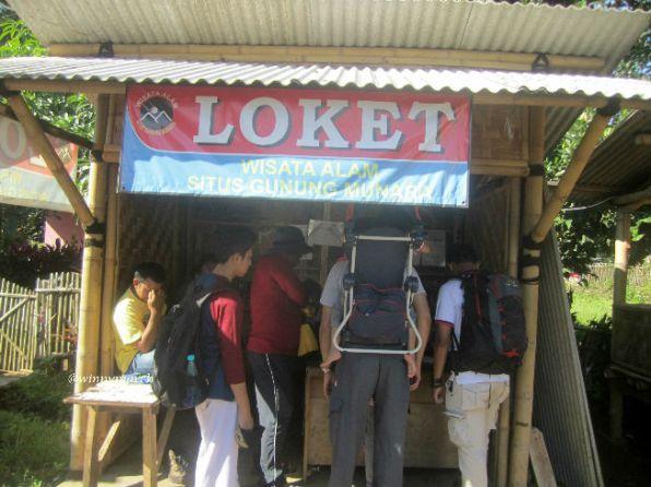 Loket Gunung Munara Bogor