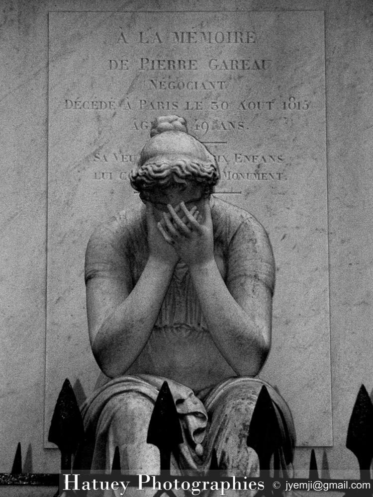 """Paris, Cimetiere du Pere Lachaise , Photographies de Paris, Cemetery Graveyard Cementerio Cimitero Friedhof , Cimetiere du Pere Lachaise , Photographies de la tombe de Pierre GAREAU par """"©Hatuey Photographies"""""""