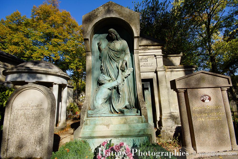 """Automne, Paris, Cimetiere du Pere Lachaise , Photographies de la tombe de TRIQUETI Henry baron de """"©Hatuey Photographies"""""""