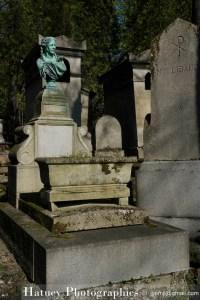 """Paris, Cimetiere du Pere Lachaise , Photographies de Paris, Cemetery Graveyard Cementerio Cimitero Friedhof , Cimetiere du Pere Lachaise , Photographies de la tombe de Marguerite Lacressonnière par """"©Hatuey Photographies"""""""