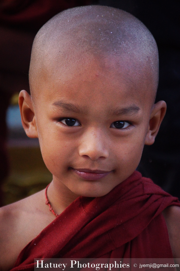 Myanmar Birmanie, Photographies 2015, Asie, Kyaiktiyo Pagoda Jeunes Novices- Younk monks, blog by © Hatuey Photographies