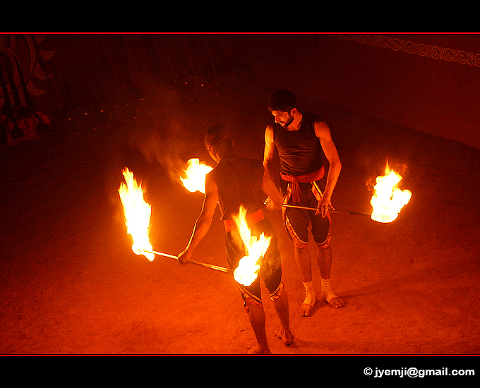 Kalaripayattu in Thekkady (Kerala) Indian martial art. Southern India,Tourism in South India. Pictures of Southern India,Photographs of South India. Photographies en Inde du Sud by © Hatuey Photographies