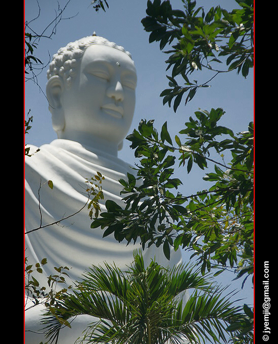 Nha Trang, Buddha Long Son Pagoda. Photographies du Vietnam by © Hatuey Photographies