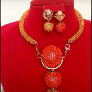 Exquisite Coral and Gold Beaded Neckpiece