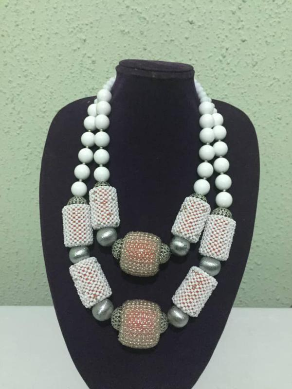 White Detailed 2 Layers Bead