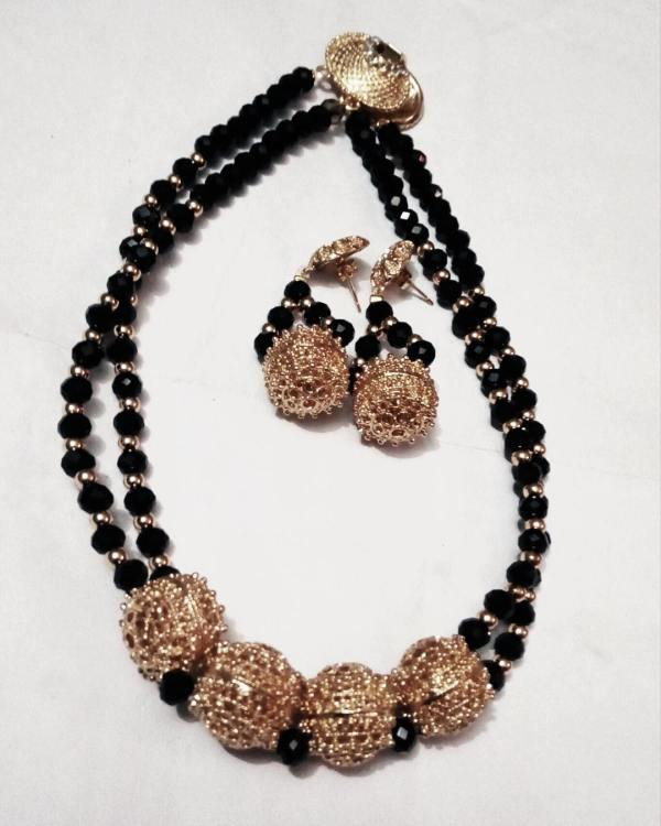 Exquisite Black Beaded Necklace