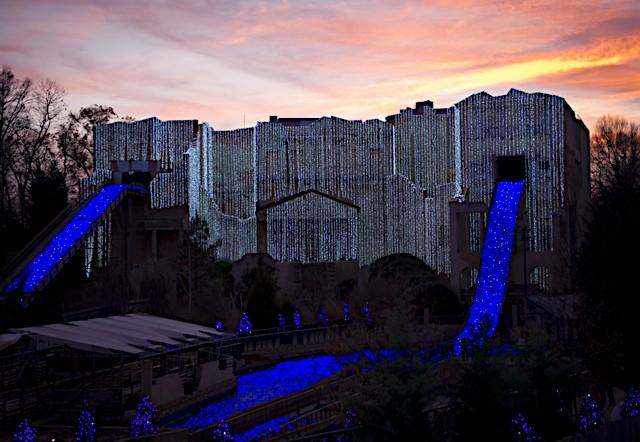 Busch Gardens® Williamsburg Christmas Town @buschgardensva : The Next Best Thing To The North Pole #sponsored winterandsparrow.com