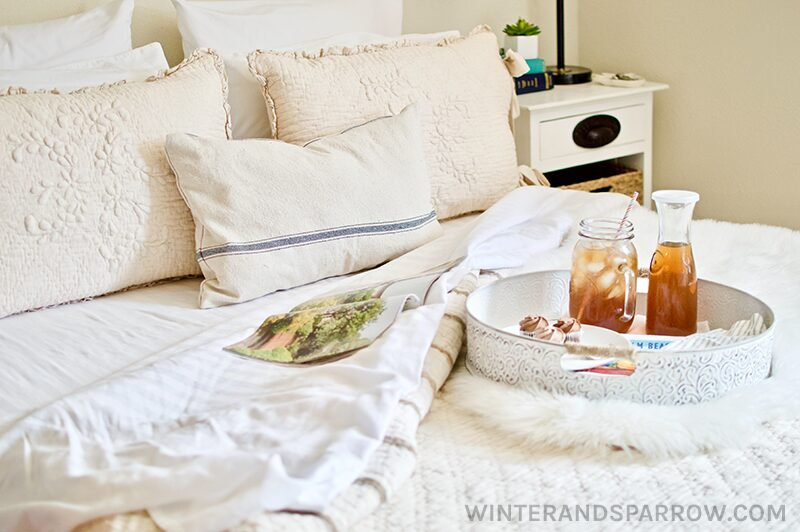 Small Space Transformation: A Cozy French Farmhouse Inspired Bedroom | winterandsparrow.com #frenchfarmhouse #farmhousedecor #decoratingideas