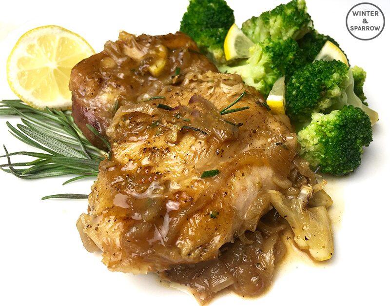 6 Steps To Delicious Lemon Rosemary Chicken | winterandsparrow.com #lemonrosemarychicken #chickenrecipes #onepan